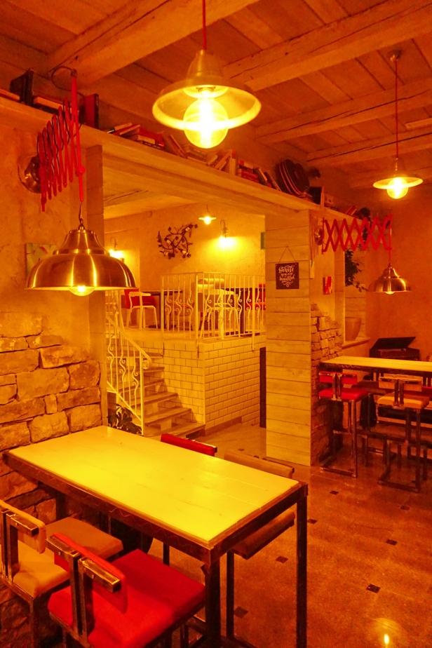 Kafe bar POETA noćne (37)