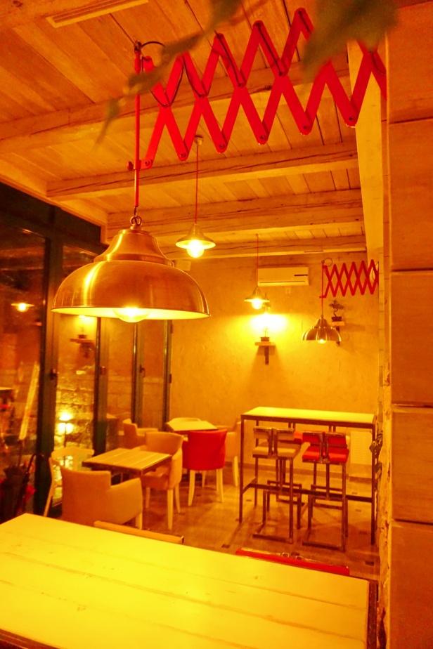 Kafe bar POETA noćne (43)