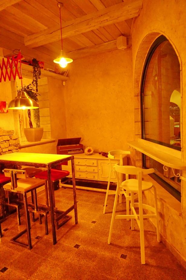 Kafe bar POETA noćne (9)