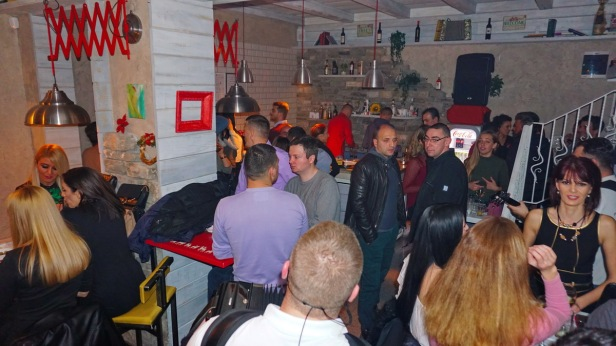 Kafe bar POETA tamburaši 11 januar (18).JPG