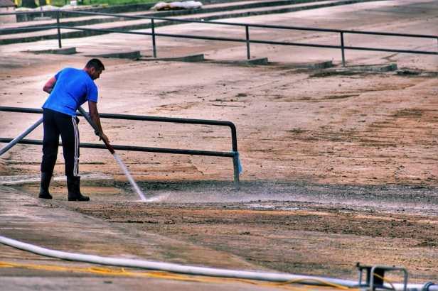 Čišćenje bazena (5)